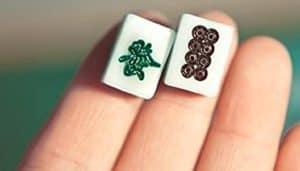 mini-mahjong-tile-yubi