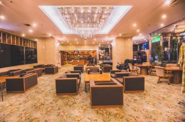 hotel-robby