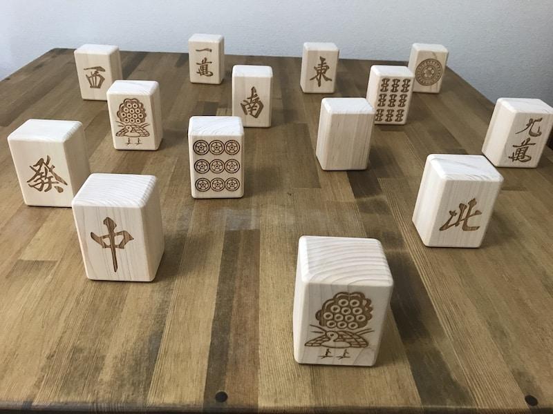 woodtiule-on-table-cover-baratirashi